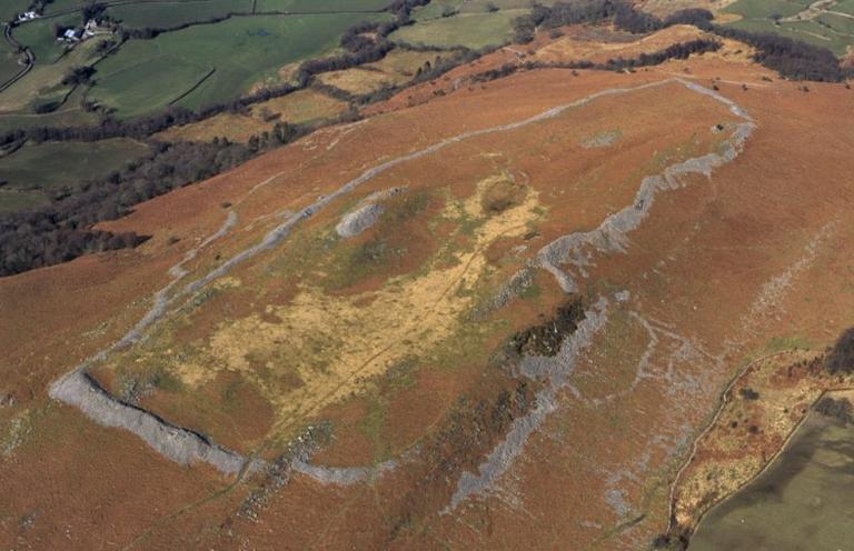 Y Garn Goch Brecon Beacons National Park Authority